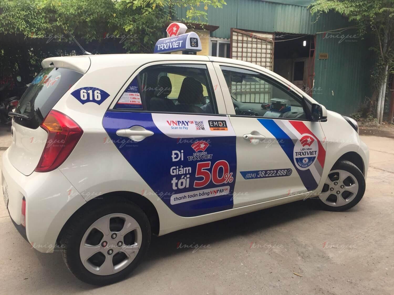 Quảng cáo trên taxi Vạn Xuân